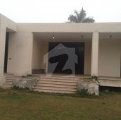 3 Bed 4 Kanal House For Sale in Abid Majeed Road, Cantt