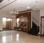 7 Bed 1 Kanal House For Sale in Gulberg 2, Gulberg
