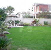 1.85 Kanal House For Sale in Abid Majeed Road, Cantt