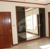6 Bed 1.6 Kanal House For Sale in Cavalry Ground, Lahore