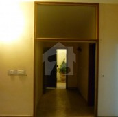 3 Bed 10 Marla Flat For Sale in Clifton - Block 9, Clifton