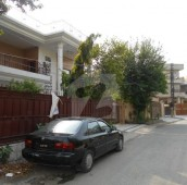 6 Bed 1 Kanal House For Rent in Allama Iqbal Town - Pak Block, Allama Iqbal Town