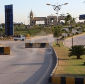 8 Marla Residential Plot For Sale in Bahria Enclave, Bahria Town