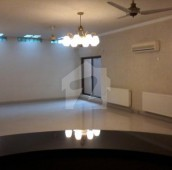 6 Bed 1.6 Kanal House For Sale in Sarwar Colony, Cantt