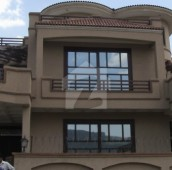 2 Bed 10 Marla Upper Portion For Rent in E-11/4, E-11