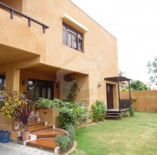 8 Bed 2.36 Kanal House For Sale in DHA Phase 4, D.H.A