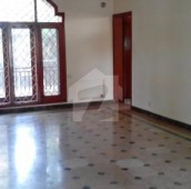3 Bed 1 Kanal Upper Portion For Rent in F-7, Islamabad