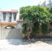 4 Bed 10 Marla House For Rent in Allama Iqbal Town - Ravi Block, Allama Iqbal Town