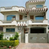 8 Bed 10 Marla House For Sale in G-13/4, G-13