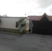 3 Bed 1.3 Kanal House For Sale in DHA Phase 4, D.H.A