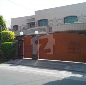 1.5 Kanal House For Sale in Shami Road, Cantt