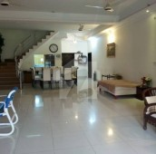 7 Bed 2.35 Kanal House For Sale in Airport Road, Multan