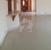 4 Bed 1.33 Kanal Upper Portion For Rent in F-11, Islamabad