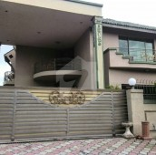8 Bed 1 Kanal House For Rent in F-11/2, F-11