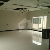 3 Bed 1 Kanal Upper Portion For Rent in DHA Phase 6, DHA Defence