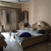 3 Bed 9 Marla Flat For Sale in Civil Lines, Karachi