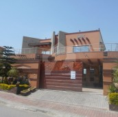 8 Bed 1 Kanal House For Sale in Bahria Town Phase 5, Bahria Town Rawalpindi
