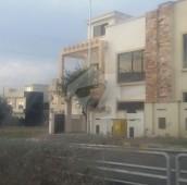 4 Bed 8 Marla House For Sale in Bahria Town Phase 8 - Abu Bakar Block, Bahria Town Phase 8 - Safari Valley