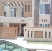 5 Bed 10 Marla House For Sale in Bahria Town - Gulbahar Block, Bahria Town - Sector C