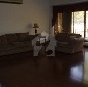 7 Bed 1.07 Kanal House For Sale in F-6/1, F-6