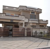 11 Bed 1 Kanal House For Sale in G-13/4, G-13