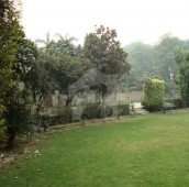 5 Bed 4 Kanal House For Sale in MM Alam Road, Gulberg