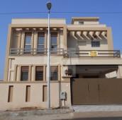 4 Bed 7 Marla House For Sale in Bahria Town Phase 8 - Abu Bakar Block, Bahria Town Phase 8 - Safari Valley