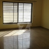 3 Bed 16 Marla Upper Portion For Rent in E-11/2, E-11