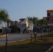 10 Marla Residential Plot For Sale in Bahria Town Phase 8 - Block M, Bahria Town Phase 8
