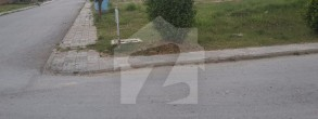 1 Kanal Blvd Corner Plot...