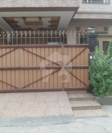 6 Bed 10 Marla House For Sale in Samanabad, Lahore