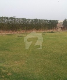 1 Bed 5 Kanal Farm House For Sale in Barki Road, Cantt