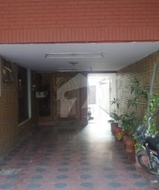 6 Bed 1 Kanal House For Sale in Garden Town - Aurangzaib Block, Garden Town