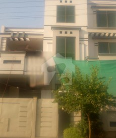 5 Bed 10 Marla House For Sale in Garden Town, Gujranwala