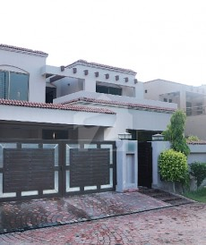 5 Bed 1 Kanal House For Rent in DHA Phase 5, DHA Defence