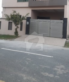 3 Bed 5 Marla House For Sale in Eden Valley, Faisalabad