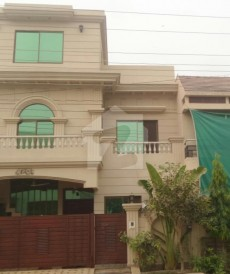 5 Bed 10 Marla House For Sale in Gulshan-e-Lahore, Lahore