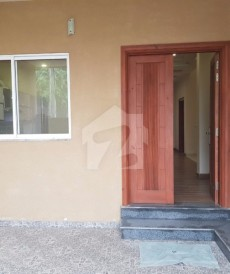 6 Bed 7 Marla House For Sale in Eden Gardens, Faisalabad