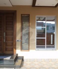 5 Bed 10 Marla House For Sale in Tariq Gardens - Block C, Tariq Gardens