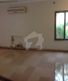 11 Bed 4 Kanal House For Sale in Gulberg, Lahore
