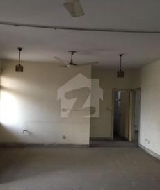 3 Bed 4,500 Sq. Ft. Flat For Sale in Askari 5, Askari