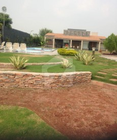 2 Bed 9 Kanal Farm House For Sale in Bedian Road, Lahore