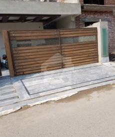 3 Bed 10 Marla House For Sale in Wapda Town Phase 1 - Block H4, Wapda Town Phase 1