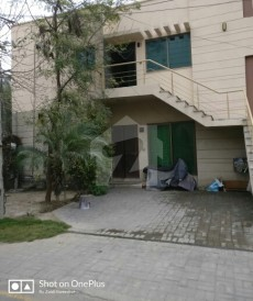 2 Bed 1,575 Sq. Ft. Flat For Sale in Khayaban-e-Amin - Block E, Khayaban-e-Amin