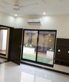 5 Bed 1 Kanal House For Rent in DHA Phase 6, DHA Defence