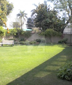 5 Bed 2.15 Kanal House For Sale in Shami Road, Cantt