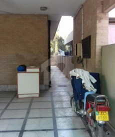 11 Bed 3 Kanal House For Sale in Gulberg 2, Gulberg