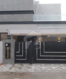 5 Bed 1.05 Kanal House For Sale in Bahria Town - Babar Block, Bahria Town - Sector A