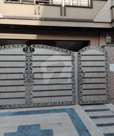 6 Bed 10 Marla House For Sale in Marghzar Officers Colony - Block N, Marghzar Officers Colony