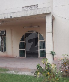 4 Bed 1 Kanal House For Sale in Upper Mall, Lahore